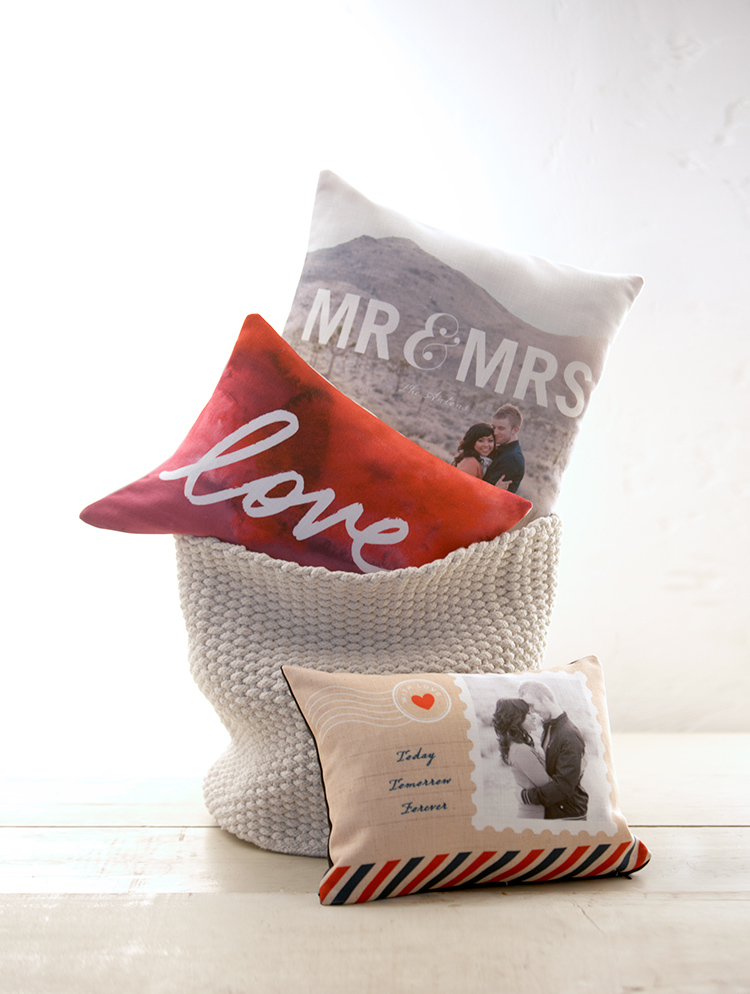 Shutterfly offers custom pillows in stylish and personalized designs. Create a photo pillow that make a perfect complement to any room.